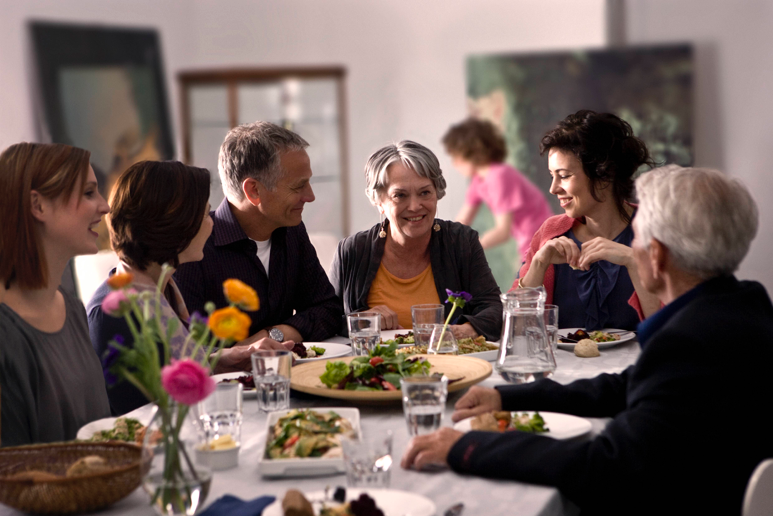 hearing-people-around-the-Christmas-table